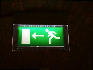 emergency-exit-954580_960_720